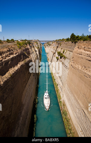Greece, Peloponnese, Corinth, built in the 19th century, the Corinth Canal connects the Gulf of Corinth with the - Stock Photo