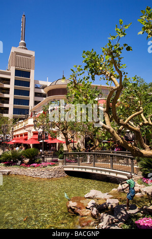 Beverly Hills Center Centre shopping mall Los Angeles ...