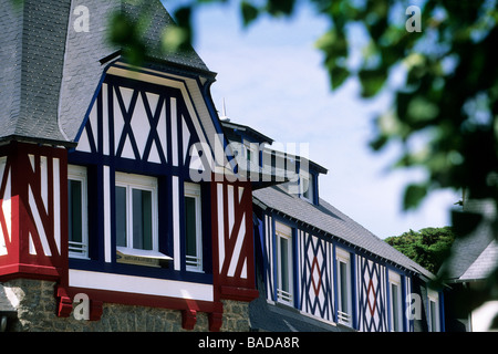 France, Cotes d'Armor, Sable d'Or Les Pins, details of the architecture of a residence station - Stock Photo