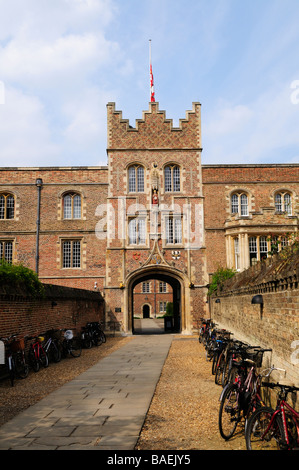 Gatehouse to Jesus College Cambridge England UK - Stock Photo