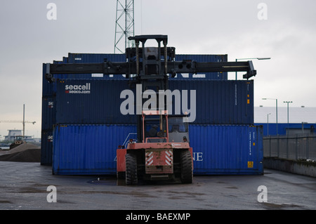 Straddle Loader for ISO containers at Port of Belfast
