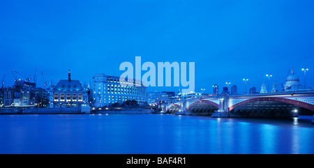 UNILEVER HOUSE, KOHN PEDERSEN FOX, LONDON, UNITED KINGDOM - Stock Photo