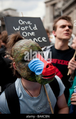 Anti-Capitalist protesters gathered at the Bank of England on the eve of the G20 Summit, which turned violent with - Stock Photo