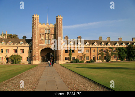 The Great Gate entrance in to Great Court, Trinity College, Cambridge, University, UK. - Stock Photo