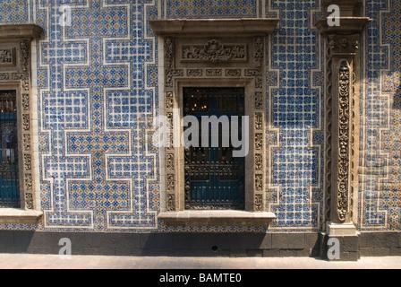 Mexico mexico city centro historico sanborns casa de for House of tiles mexico city