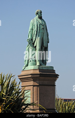 Statue of Sir James Ramsden, Ramsden Square, Barrow-in-Furness, Cumbria, England, United Kingdom, Europe. - Stock Photo
