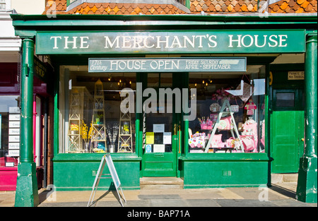 17th Century silk Merchant's House in the typical English market town of Marlborough Wiltshire England UK - Stock Photo