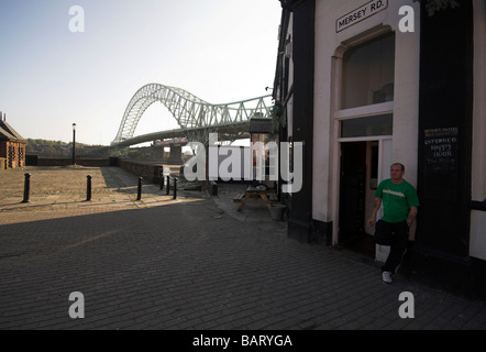 Pub in Widnes ,next to the Silver Jubilee Bridge over the River Mersey and Manchester Ship Canal at Runcorn Gap, - Stock Photo