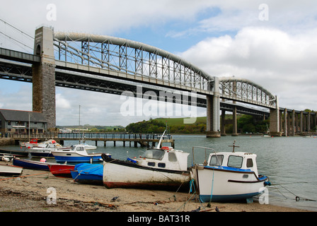 the tamar bridge that spans the river tamar between saltash in cornwall and plymouth in devon viewed from the saltash - Stock Photo