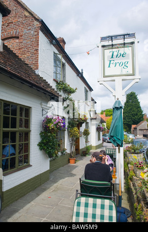 Skirmett , diners outside the fabulous pub restaurant , The Frog , set in the midst of Vicar of Dibley country , - Stock Photo