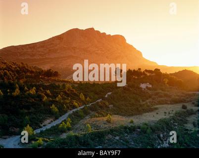 Mont Sainte-Victoire, near Aix-en-Provence, Pays d´Aix, Bouches-du-Rhone, Provence, France, Europe - Stock Photo
