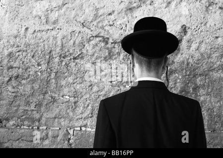 Israel Jerusalem Old City Religious Jews at the wailing wall - Stock Photo