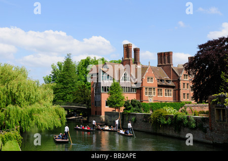 Punting on the River Cam Cambridge England Uk - Stock Photo