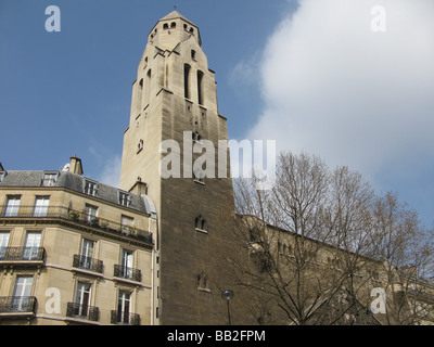 St. Pierre de Chaillot - Stock Photo