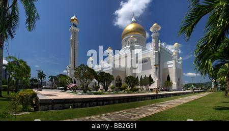 Garden of the Sultan Omar Ali Saifuddien Mosque,Bandar Seri Begawan,Brunei,Borneo,Malaysia,Asia, Mosque in Brunei - Stock Photo