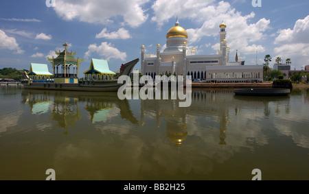 Sultan Omar Ali Saifuddien Mosque with reflection at Bandar Seri Begawan,Brunei,Borneo,Malaysia,Asia - Stock Photo