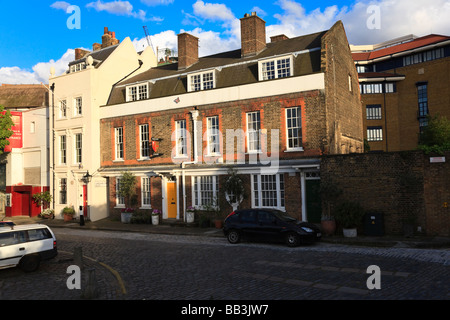 The Provosts Lodging South Bank Southwark and Cardinal Cap Alley London UK - Stock Photo