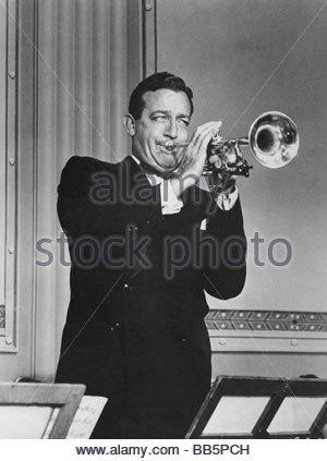 James, Harry, 15.3.1916 - 5.7.1983, US musician, (jazz), half length, playing trumpet, movie, 'The Benny Goodman - Stock Photo