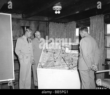 geography / travel, Germany, Berlin, Blockade 1948 / 1949, briefing of U.S. chief of staff, Rhine Main air base, - Stock Photo