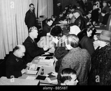 geography / travel, Germany, Berlin, politics, pass office at Belzigerstrasse, Schoeneberg, 8.3.1965, Additional - Stock Photo