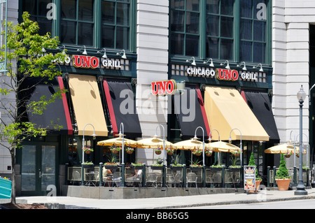 Pizzeri Uno Chicago Grill restaurant with outdoor dining in downtown Providence Rhode Island at  the Providence - Stock Photo