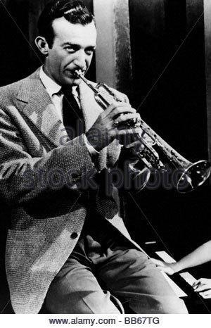 James, Harry, 15.3.1916 - 5.7.1983, US musician, (jazz), half length, playing trumpet, 1950s, music, instrument, - Stock Photo