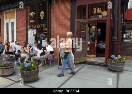 Patrons enjoy an al fresco brunch at Walkers in the Tribeca neighborhood of New York - Stock Photo