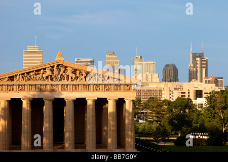 Parthenon replica with modern buildings of Nashville Tennessee in the background, USA Stock Photo