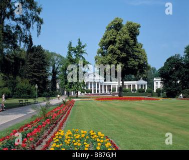 Kurpark und Wandelhalle in Bad Oeynhausen, Wiehengebirge, Nordrhein-Westfalen - Stock Photo