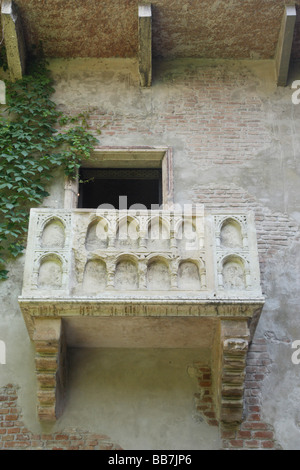 Balcony Casa di Giuletta, Juliet's house, from William Shakespeare's drama, Romeo and Juliet, Verona, Italy, Europe - Stock Photo