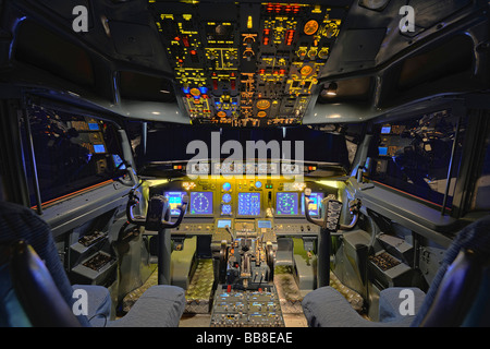 View of the cockpit of a Boeing 737 - 700 in a flight simulator by the Wulff/Zellner GbR company, Berlin, Germany - Stock Photo