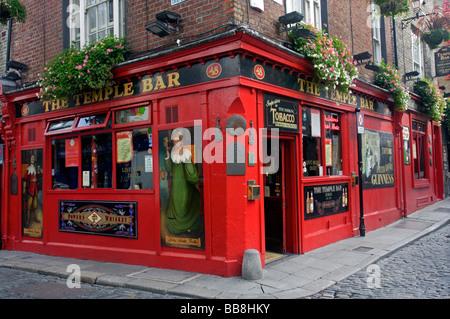 Temple Bar, pub, Temple Bar area, Dublin, Ireland - Stock Photo