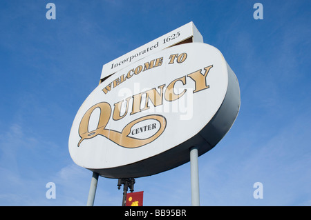 welcome to quincy center sign in quincy massachusetts usa - Stock Photo