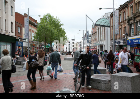 Broad Street is Reading's main shopping thoroughfare - Stock Photo