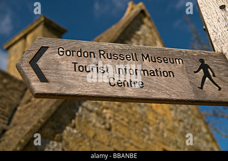 gordon russell museum sign broadway cotswolds and tourist information office - Stock Photo