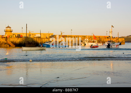 Evening light on Saint Ives Harbour Cornwall England UK - Stock Photo
