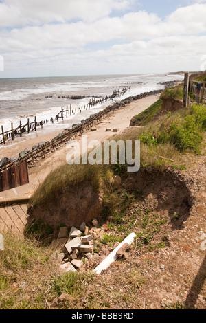 UK England Norfolk Happisburgh failing coastal erosion defences - Stock Photo