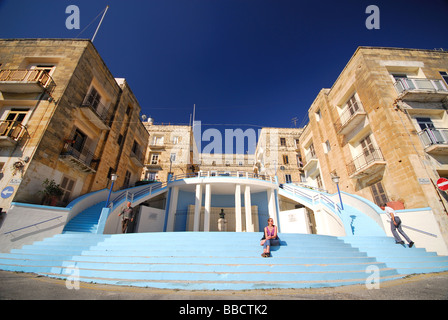 MALTA. Waterfront steps and residential buildings by Dockyard Creek in Senglea. 2009. - Stock Photo