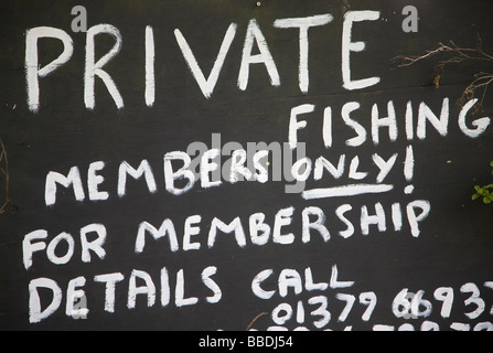 Private Fishing Members Only sign - Stock Photo
