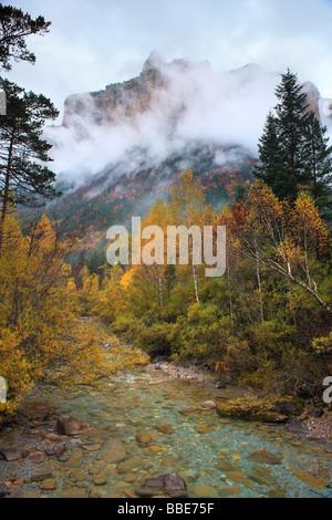 Arazas river and Punta Gallinero peak, Ordesa Valley, Spanish Pyrenees - Stock Photo