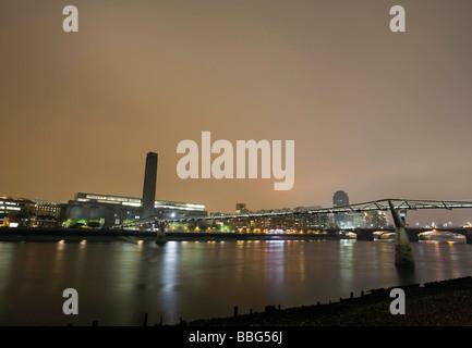 Tate Modern and Millennium Bridge - Stock Photo