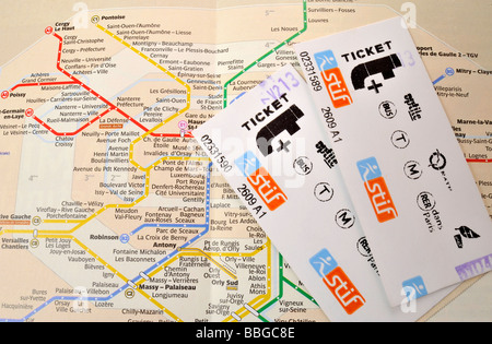 Single tickets on a plan of the Paris Metro, Paris, France, Europe - Stock Photo