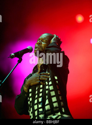 Entertaining over 25 000 local and international jazz lovers and fans is Ray Phiri from Stimela perform at the 4th - Stock Photo