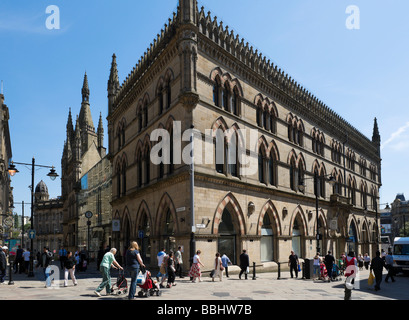 The Wool Exchange Building viewed from Bank Street, Bradford, West Yorkshire, England - Stock Photo