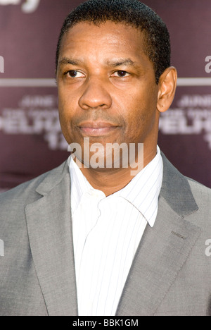 LOS ANGELES - JUNE 4: Denzel Washington arrives at the premiere of his new film, 'Taking of Pelham 123' on June - Stock Photo