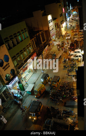 Busy nighttime in Madurai city centre. India, Tamil Nadu, Madurai.  No releases available. - Stock Photo