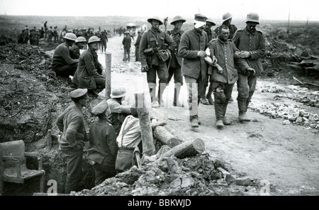 BATTLE OF THE SOMME 1916 -  German wounded and prisoners are brought in by British soldiers - Stock Photo