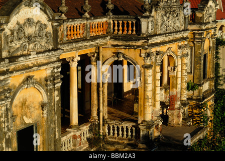 Old villa on the Sothearos Boulevard in the cambodian capitol Phnom Penh, Cambodia - Stock Photo