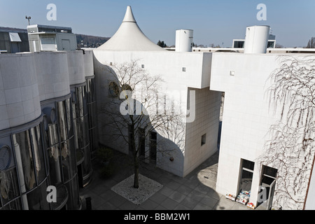 Art- and exhibition-hall of the German Federal Republic, entrance and patio, Bonn, North Rhine-Westphalia, Europe - Stock Photo