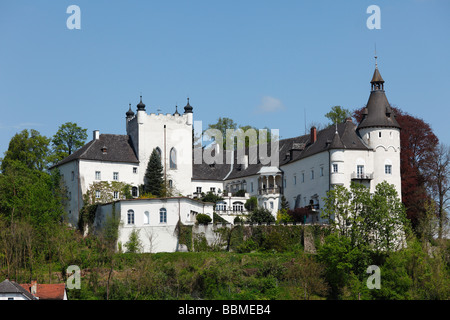 Ottensheim castle on the Danube, Upper Austria, Austria, Europe